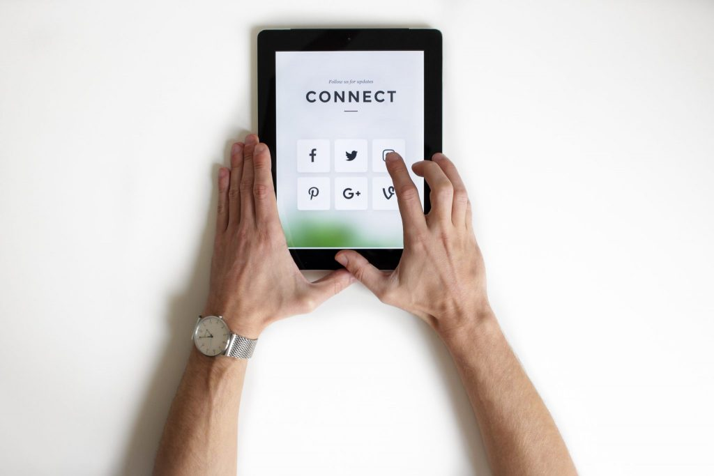 Social Media Connect