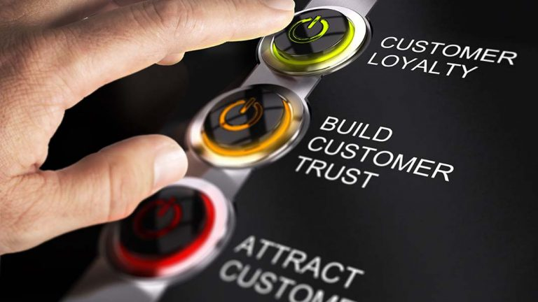 How to turn visitors into loyal customers